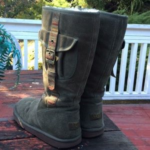 UGG Leather Suede Sheepskin boots Olive Green Sz 9